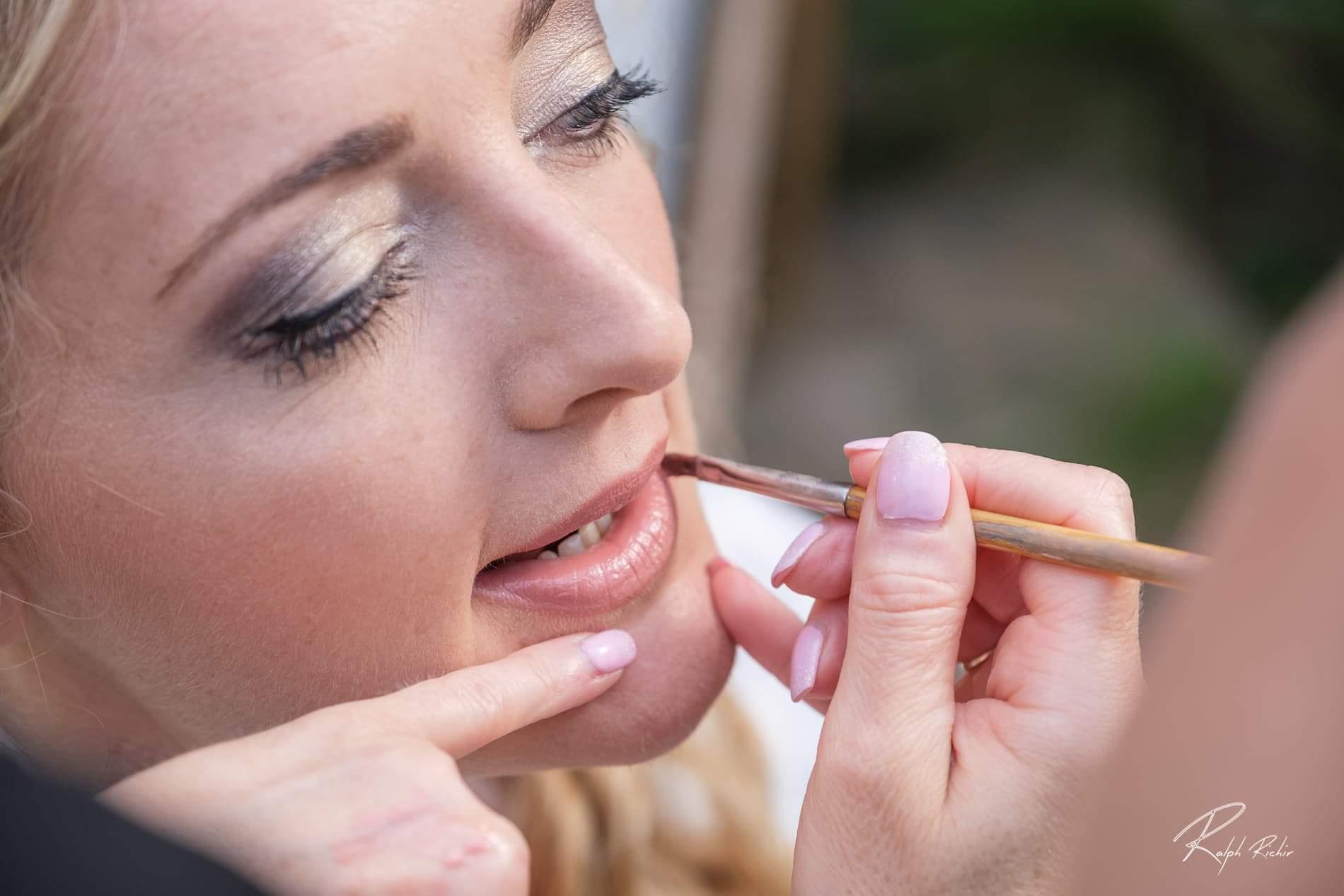 Maquilleuse professionnelle pour un maquillage mariée
